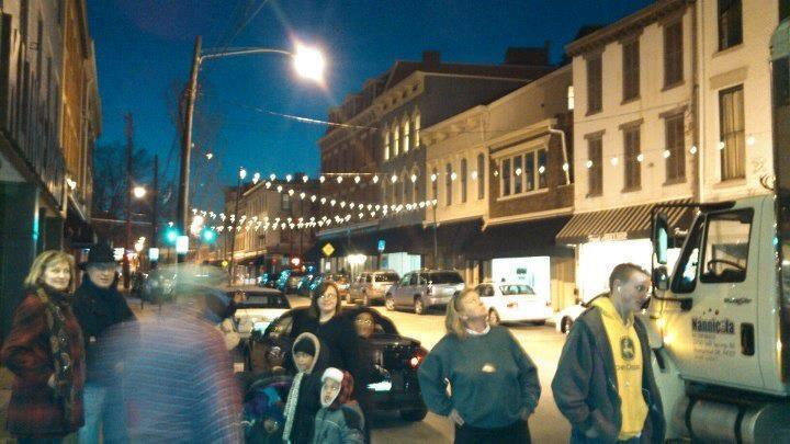 Holiday Events Encourage Shopping Downtown